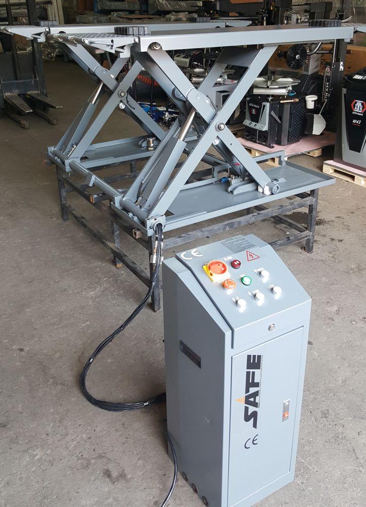 Elevator tip foarfeca electro-hidraulic pentru vulcanizare